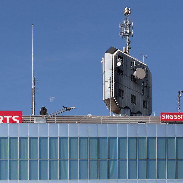 RTS TV & Darius Rochebin