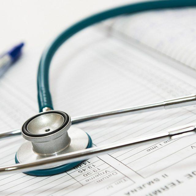 La RTS et la FRC s'associent pour décoder les primes d'assurance maladie