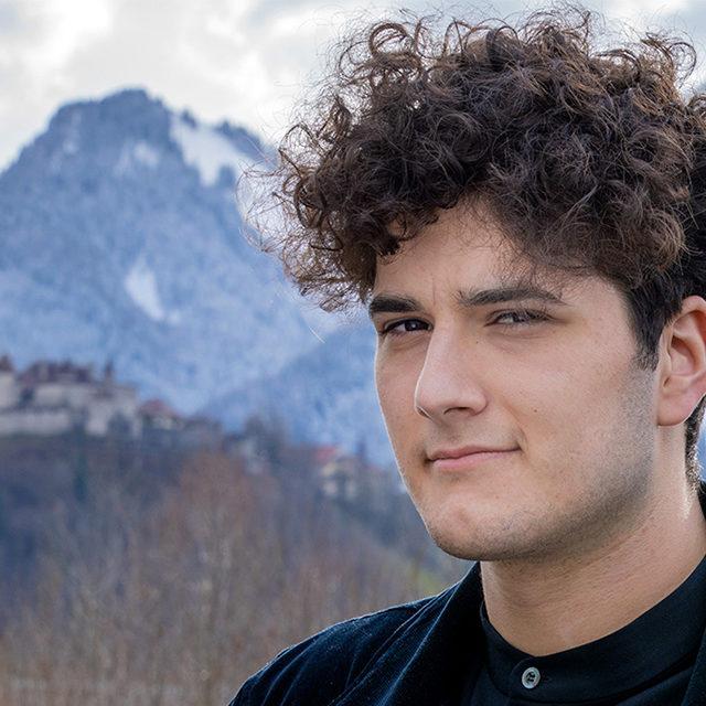 Eurovision Song Contest 2020: le Romand Gjon's Tears représentera la Suisse avec «Répondez-moi»