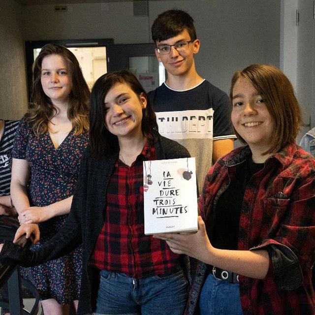 Agnès Laroche remporte le Prix RTS Littérature Ados pour son livre «La vie dure trois minutes»