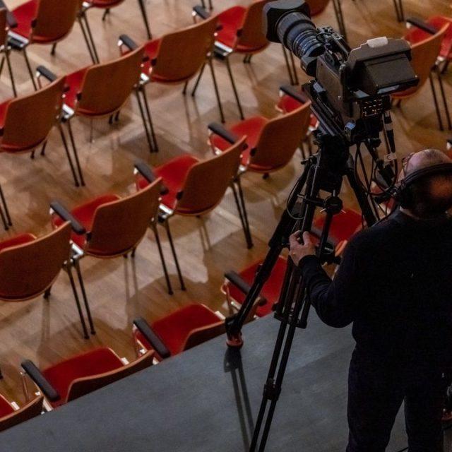 «De Scène en Scène»: La RTS et la Fondation Leenaards s'engagent pour la création scénique et théâtrale