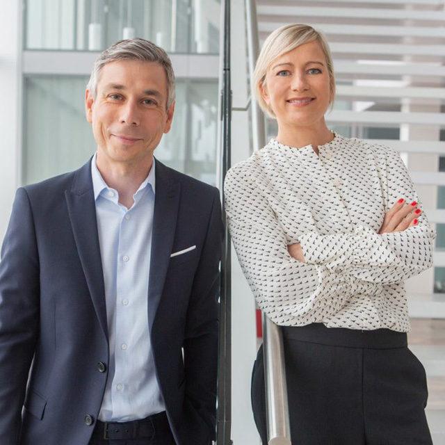 Elisabeth Logean et Pierre-Olivier Volet nommé.es co-rédactrice et co-rédacteur en chef de l'Actualité TV